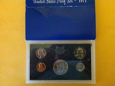 1971 U.S. Mint proof set in OGP. Will combine wins = low shipping!