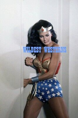 LYNDA CARTER Sexy Busty Photo HOT CLEAVAGE Wonder Woman RARE ACTION
