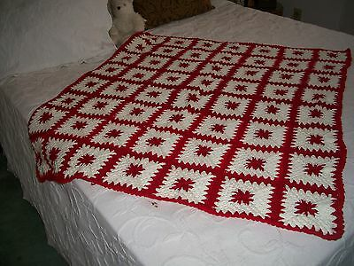 Spectacular handmade afghan, granny squares Red and off White color, beautiful!!