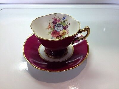Hammersley & Co Bone China Teacup and saucer made in England R 3302/22, burgaNDY