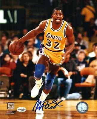 Signed  8x10 MAGIC JOHNSON Los Angeles Lakers  Autographed Photo w/COA