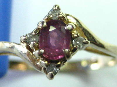 """Vintage --10K Yellow Gold -- Ruby """"Oval Cut (3 mm x 5 mm) - Size 6 1/4 - 1.38 gm"""