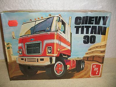 VINTAGE AMT MODEL KIT #T509 CHEVY TITAN 90  1/25 SCALE TRACTOR TRUCK