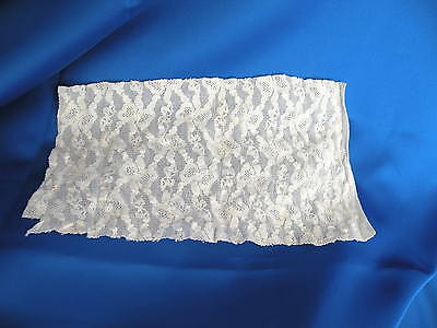 Vintage Fabric Scrap - Piece of Ivory Stretch Lace