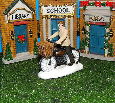 Bicycle Delivery Man Figurines 1:24 (G) Scale Diorama