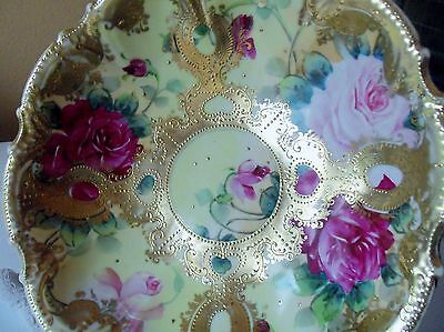 RARE ANTIQUE NIPPON HAND PAINTED BOWL WITH  ROSES & HEAVY GOLD MORIAGE  -  JAPAN