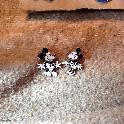 Disney Pins Mickey and Minnie Mouse Black and White Dancing Pair Trading Pins