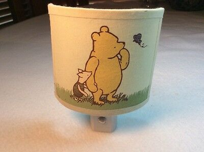 Kids~Classic Winnie the Pooh Night Light~Plug in~Works~White~Pooh and Piglet~p1