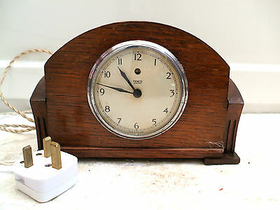 "Temco Electric Oak Case Mantle Clock 5.5""H 8""W 3""D"