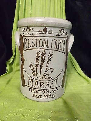1989 STONEWARE CROCK HANDMADE Reston Farm, Virginia vintage  ROCKDALE UNION Co