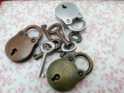 Old Vintage Antique  Style Small  Padlock Key Lock (Assorted Color) 3 pcs