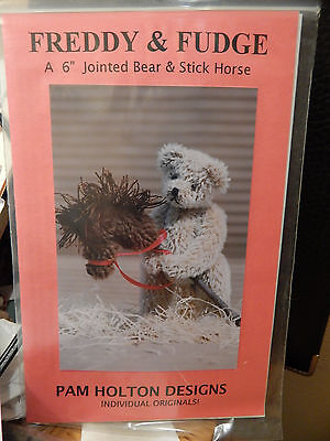 Freddy and Fudge, A Jointed Mini Bear Kit by Pam Holton, 1991