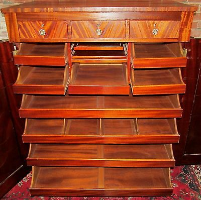 19Th Century Mahogany Gentleman's Wardrobe With Shaving Mirror-Ultra Fine Piece