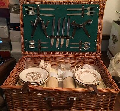 Made in England Wicker Picnic Basket  ~ Serving of 4 ~ Thermos, Utensils PLUS