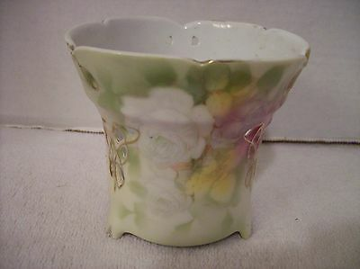 Royal Bayreuth 3 Footed Reticulated Rose Pattern Vase