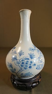 Very Fine Beautiful Korean Joseon Dynasty Blue & White Bulb Vase