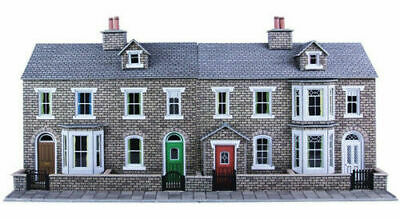 Metcalfe Low Relief Stone Terraced House Fronts OO Gauge Card Kit PO275