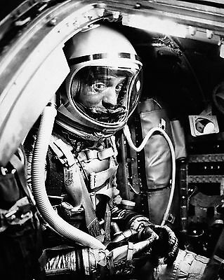 Astronaut Alan Shepard - 8X10 Nasa Photo (Zz-090)