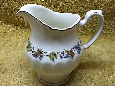 J.&G. Meakin England Classic White Creamer leaf and berry design
