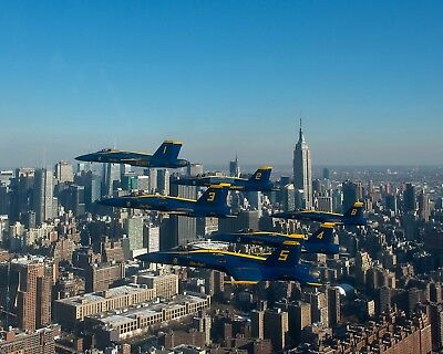 Us Navy Blue Angels Fly Delta Formation Past The Nyc Skyline 8X10 Photo (Zz-138)