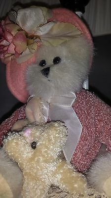 Handmade, Girls Pink Rose Teddy Bear with little Bunny Rabbit Lamp