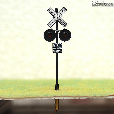 4 x OO or HO Scale Railroad Crossing Signals LEDs made + 4 Circuit board flasher