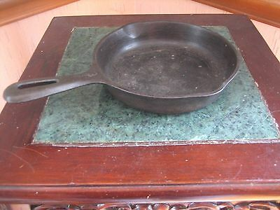 "VINTAGE ANTIQUE CAST IRON ROUND 6 1/2"" Skillet NO.3  "" W """