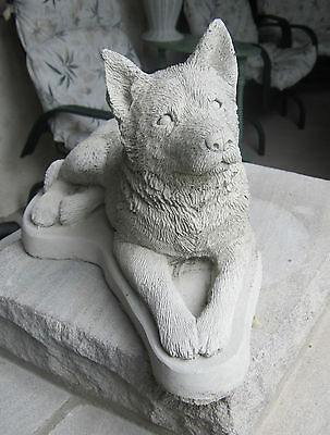 Concrete Australian Cattle Dog Statue / Monument  ( Beautiful Statue )