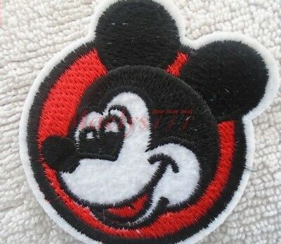 APPLIQUE ECUSSON PATCH BRODE thermocollant*tête mickey*.5,5x5,5cm