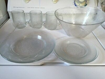 10 Piece (Coca Cola) 6 Plates, Punch Bowl & 3 Cups  Embossed Coca Cola & Bottles