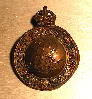 New Zealand Eviir Public School Cadets Cap Badge.