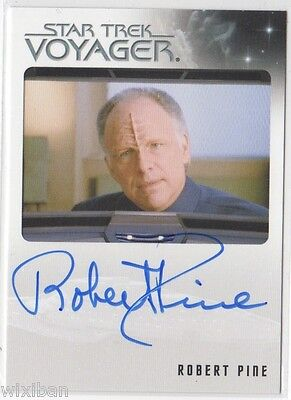 Star Trek Voyager Heroes & Villains Autograph Card ROBERT PINE