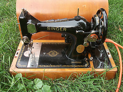 Working 1948 SINGER 128 Electric Portable Sewing Machine w/ Wood Case
