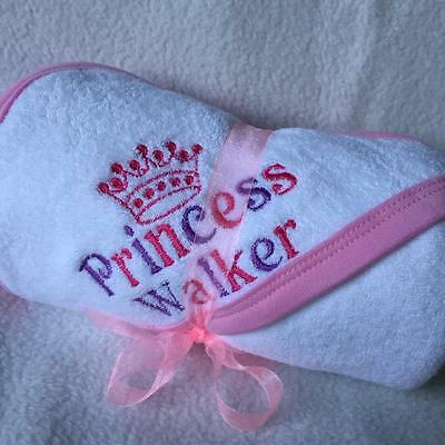 PERSONALISED BABY HOODED TOWEL PRINCESS PRINCE CROWN with BOLD NAME NEWBORN GIFT