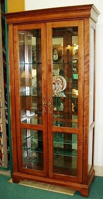 Merveilleux Solid Wood Cabinet   Display Or Curio   Lighted   Jasper Cabinet Company