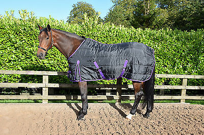 """300gm HEAVY WEIGHT stable rug/quilt, pony and horse size 4'3"""" - 7'6"""" in stock"""