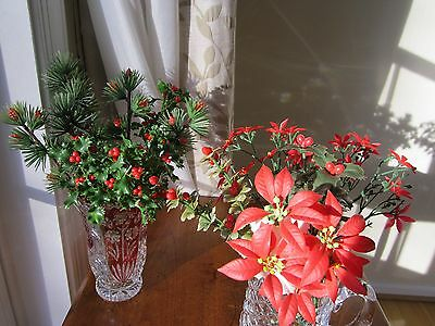 VINTAGE SET of 17 GREEN, RED and WHITE PLASTIC HOLLY BERRY and POINSETTIAS