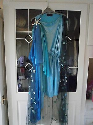 Hunger Games District 4 female chariot costume original movie prop screen used