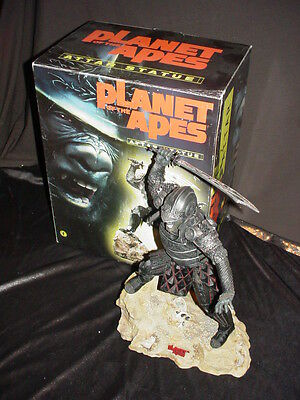 Planet of the Apes Attar Statue (Dark Horse, Gentle Giant)