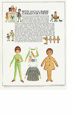 ORIGINAL Betsy McCall Paper Doll-Bakes Cookies - October 1966 Vietnam War