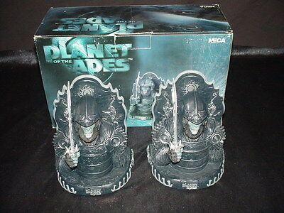 NECA Planet of the Apes Bookends (Attar Bookends)