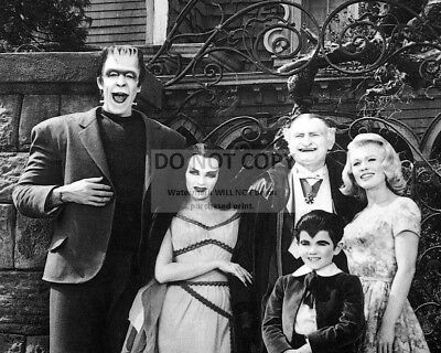 """""""The Munsters"""" Cast From The Cbs Tv Series - 8X10 Publicity Photo (Ab-029)"""