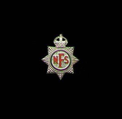 UK WW2 V-1 & Bomb Blitz Firefighter (NFS) Hat Emblem.