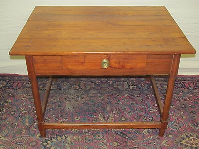 18Th C Queen Anne Period Southern Walnut Antique Tavern Table