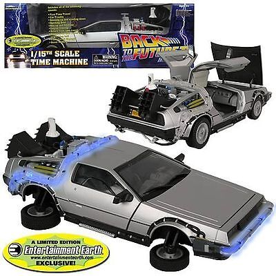 Back to the Future II - DeLoreon Vehicle - Entertainement Earth Exclusive