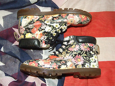 Girls rare vintage  meadow flower Dr Marten boots size 12   (Oct15)