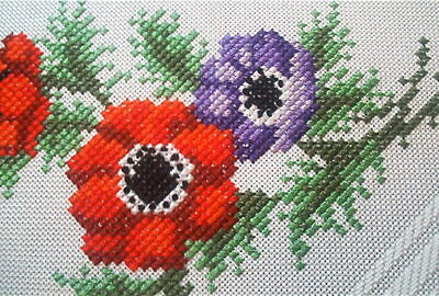 Spring Poppy In Petit Point Vtg German Hand Embroidered Tablecloth + Pillow Sham