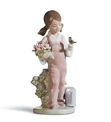 Lladro Porcelain Spring Figurine Figure Ornament Girl with Flowers 01005217 New
