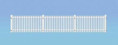 Ratio GWR Station Fencing - White OO Gauge Plastic Kit 421