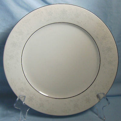Crown Fine China QUEENS LACE Salad Plate (s)